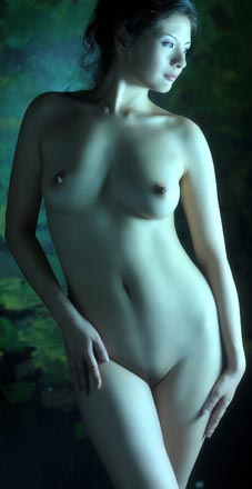 BoPuWaWa, shaved nude model in China, LiTU, uncensored nudity